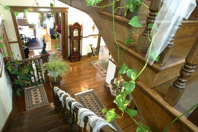 Beall Mansion An Elegant Bed & Breakfast Inn - Alton - Recepción
