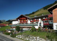 IFA Alpenrose Hotel Kleinwalsertal - Mittelberg - Außenansicht