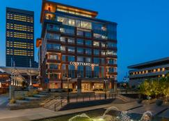 Courtyard by Marriott Buffalo Downtown/Canalside - Buffalo - Building