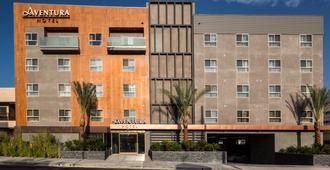 Aventura Hotel - Los Angeles - Building