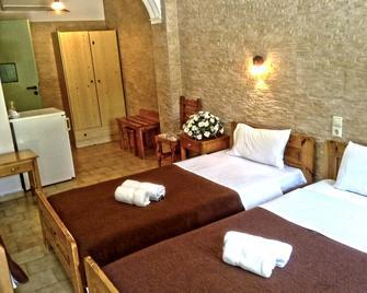 Matala Dimitris Resort - Matala - Bedroom