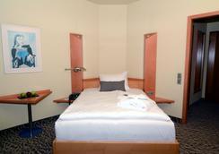 Doblergreen Hotel - Gerlingen - Schlafzimmer