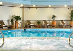 布里斯托市中心萬豪酒店 - 布里斯托 - 布里斯托 - 游泳池