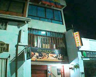 Guernika Hostel - San Gil - Building
