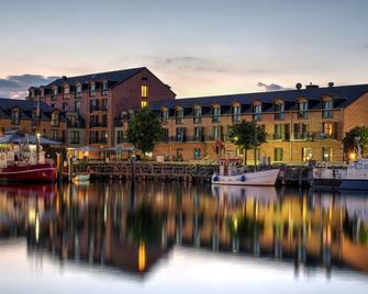 Hafenhotel Meereszeiten - Heiligenhafen - Venkovní prostory