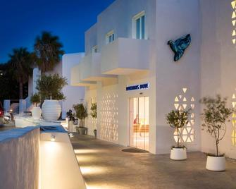 Mykonos Dove Beachfront Hotel - Міконос - Building