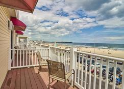 Atlantic Sands - Hampton Beach - Balcony