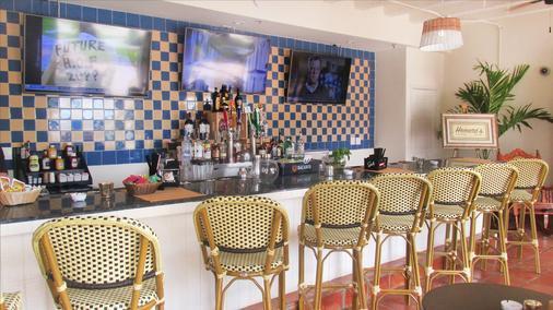 Deauville Beach Resort - Bãi biển Miami - Bar