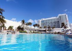 Deauville Beach Resort - Bãi biển Miami - Bể bơi
