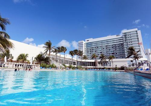 Deauville Beach Resort 108 2 4 3