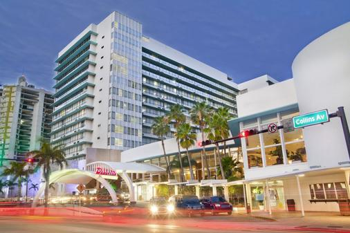 Deauville Beach Resort - Bãi biển Miami - Toà nhà