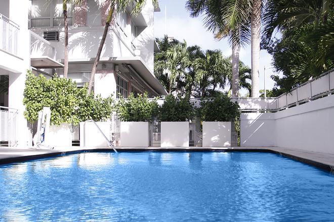 克雷斯特套房酒店 - 邁阿密海灘 - 邁阿密海灘 - 游泳池