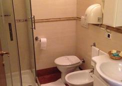 Caligola Resort - Rooma - Kylpyhuone