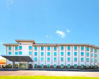 Comfort Suites Exton/West Chester - Exton - Building