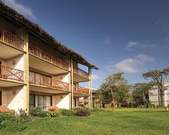 Baobab Beach Resort & Spa - Ukunda - Gebouw