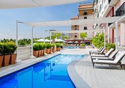 馬尼拉萬豪酒店 - 帕謝 - 馬尼拉 - 游泳池