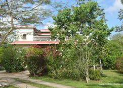 Rock Farm Guest House - Belmopán - Vista del exterior