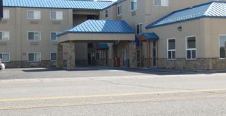 Yellowstone West Gate Hotel - ווסט ילוסטון