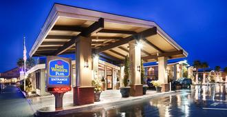 Best Western Plus Humboldt Bay Inn - Eureka