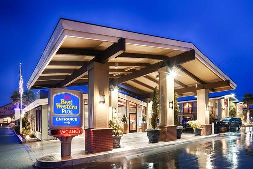 Best Western Plus Humboldt Bay Inn - Eureka - Building
