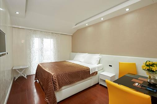Hotel Tomi - Portorož - Makuuhuone