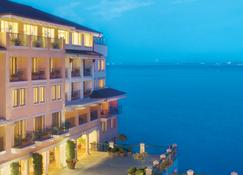 Monterey Plaza Hotel & Spa - Monterey - Edificio