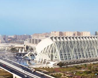 Hotel Ilunion Aqua 4 - Valencia - Gebäude