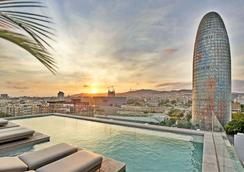 SB 格勞酒店 - 巴塞隆納 - 游泳池