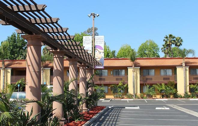 安納海姆斯坦福套房酒店 - 安納海姆 - 安那翰 - 建築