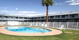 E-Z 8 Motel Phoenix Airporter - Φοίνιξ - Κτίριο