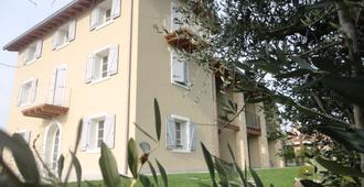 Biancaleo - Affi - Edificio