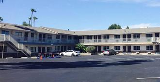 San Jose Airport Inn - San Jose - Rakennus