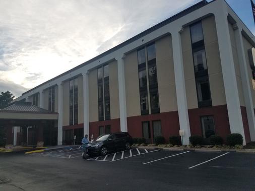Studios and Suites 4 Less Western Branch - Chesapeake - Edificio
