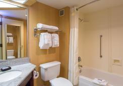 Studios and Suites 4 Less Western Branch - Chesapeake - Salle de bain
