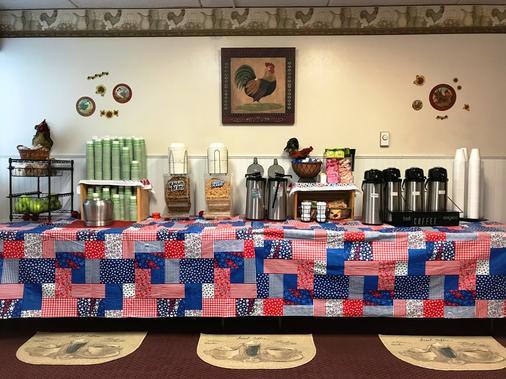 Econo Lodge Watertown - Watertown - Buffet