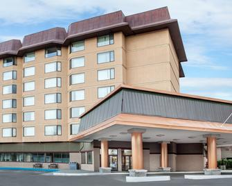 Baymont by Wyndham Red Deer - Red Deer - Building