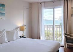 Ocean View Terrace Inn - Hampton Bays - Schlafzimmer
