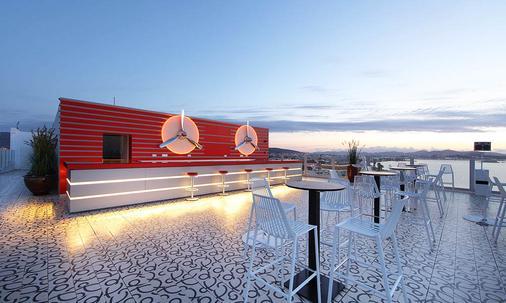 Ushuaia Ibiza Beach Hotel - Adults Only - Sant Jordi de ses Salines - Bar