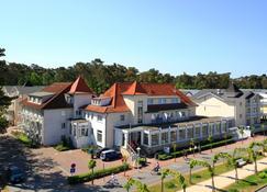R&R Strandhotel Baabe - Ostseebad Baabe - Bygning