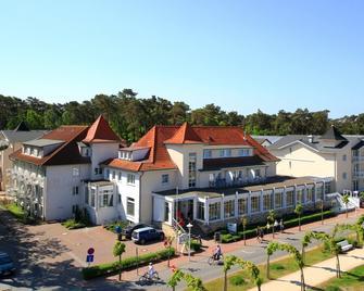 R&R Strandhotel Baabe - Ostseebad Baabe - Building