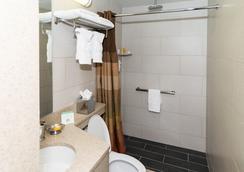 Hotel Le Jolie - Бруклин - Ванная
