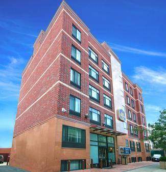 Best Western Plus Arena Hotel - Brooklyn - Toà nhà