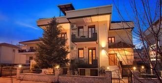 Tsironis Guesthouse - Perama