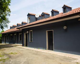 Lako Hostel - Capodimonte - Building