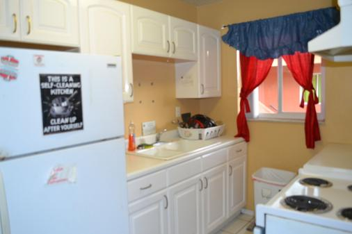The Chocolate Hostel - Fort Lauderdale - Kitchen