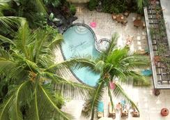 Aqua Bamboo Waikiki - Honolulu - Pool