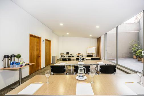 Viaggio 617 Suites - Bogotá - Khu vực làm việc