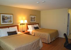 Country Squire Resort - Gananoque - Schlafzimmer