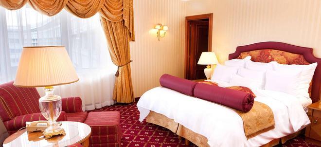 JW Marriott Bucharest Grand Hotel - Bucharest - Bedroom