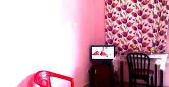Madrid Home - Arambol - Living room
